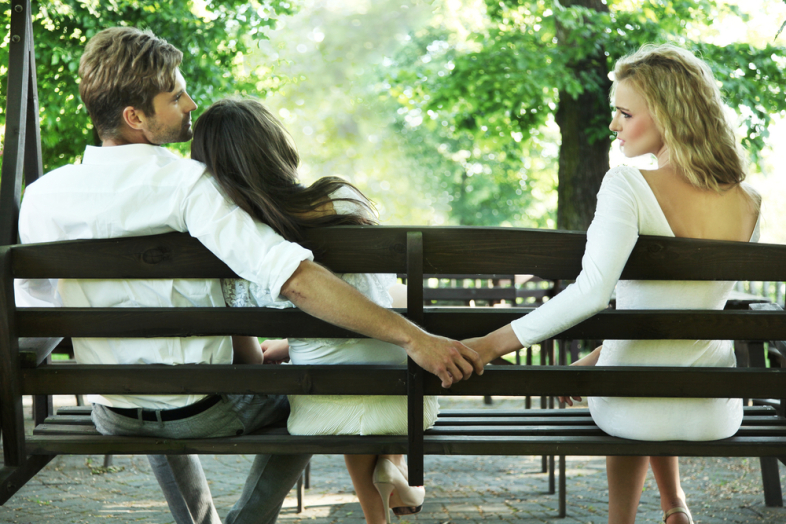 Is The Lover Cheating – 5 Signs to take into consideration